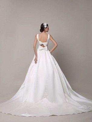 Robe de mariée en dentelle à dos ouvert avec col bateau et poches insérées_5