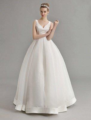 Vintage-inspiriertes Brautkleid mit tiefem V-Ausschnitt und Schleife, verziert mit Cut Out Back_4