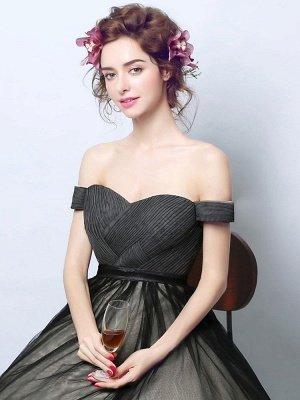 Robes de mariée gothiques fidèles princesse silhouette sans manches plissée tulle tribunal train robe de mariée_3