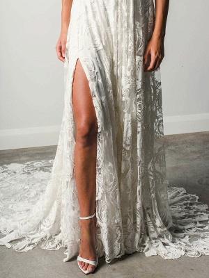 Strandhochzeitskleid mit Kapelle-Schleppe Weiß V-Ausschnitt Ärmellos Rückenfrei Spitze Split Lange Brautkleider_7