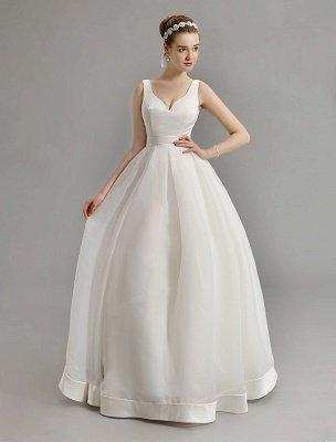 Vintage-inspiriertes Brautkleid mit tiefem V-Ausschnitt und Schleife, verziert mit Cut Out Back_2
