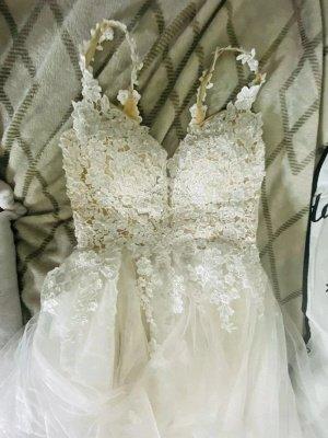 Brautkleider A-Linie V-Ausschnitt Ärmellose Spitze Applizierte Brautkleider Mit Zug_7
