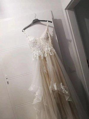 Brautkleider A-Linie V-Ausschnitt Ärmellose Spitze Applizierte Brautkleider Mit Zug_5