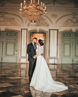 Elegantes weißes Brautkleid mit langen Ärmeln Blumenspitze Meerjungfrau Brautkleid mit abnehmbarem Zug_2