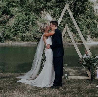 Straps V-neck Appliques Sheath Wedding Dresses | Open Back Sleeveless Cheap Bridal Gowns_2