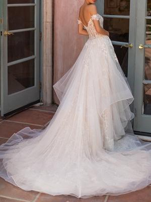 Vestido de novia de jardín con capas de encaje de tul con hombros descubiertos_3