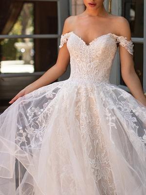 Vestido de novia de jardín con capas de encaje de tul con hombros descubiertos_2