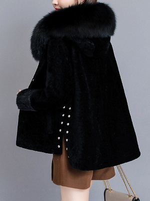 Pockets Buttoned Paneled Fur and Shearling Coat_9