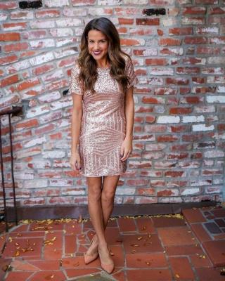 Short Sequins Short-Sleeves Sheath Elegant Homecoming Dresses_1