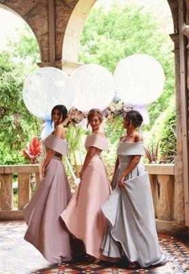 Elegant Off-the-shoulder A-line Sweep Train A-line Bridesmaid Dress_3