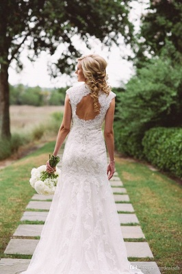 Close-fitting Seaside Outdoor Wedding Dresses   Sleeveless Lace Summer Beach Bridal Dresses_4