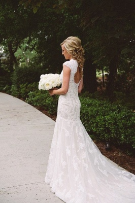Close-fitting Seaside Outdoor Wedding Dresses   Sleeveless Lace Summer Beach Bridal Dresses_3