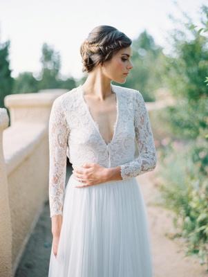 V-Neck Lace Long Sleeve Vintage Bridal Gown Latest Floor Length Custom Made Wedding Dress_2