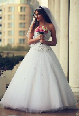 Gorgeous Sweetheart Sleeveless Crystals New Arrival A-line Wedding Dresses_1