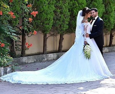 Lace Long Sleeve Wedding Dresses Off-the-shoulder A-line Bridal Gowns_4
