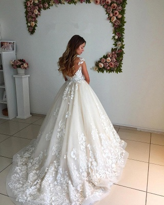 Appliques Backless A-Line Floor Length Lace Court Trian Wedding Dresses Cheap Online_3