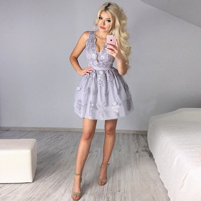 Delicate Lace Appliques V-neck Homecoming Dress   Short Party Gown_4