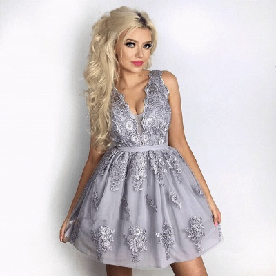 Delicate Lace Appliques V-neck Homecoming Dress   Short Party Gown_3