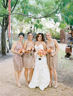 V Neck Gold Sequins Short Bridesmaid Dresses Maid of Honor Dresses_2