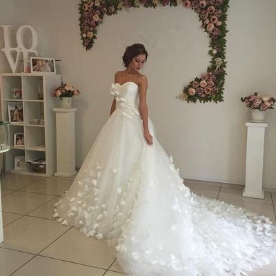Gorgeous 3D-Floral Lace Appliques Wedding Dresses   Sweetheart Neck Chapel Train Bridal Gowns Cheap_4