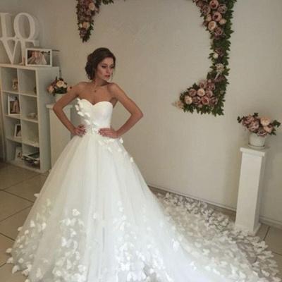 Gorgeous 3D-Floral Lace Appliques Wedding Dresses   Sweetheart Neck Chapel Train Bridal Gowns Cheap_5