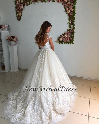 Appliques Backless A-Line Floor Length Lace Court Trian Wedding Dresses Cheap Online_1